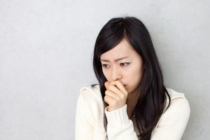 虚弱体質からくる症状に悩む女性